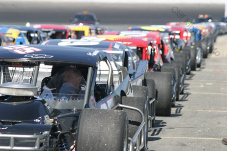 Auto Racing on Area Auto Racing News Cover Photo By Cliff Moon  Bottom